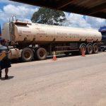 Convoy de 28 cisternas abastece  de combustible a Trinidad