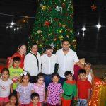 Inauguran pesebre y luces navideñas en plaza principal de Trinidad