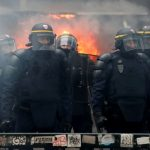 Crece la tensión por la huelga en Francia: fuego y disturbios en las calles
